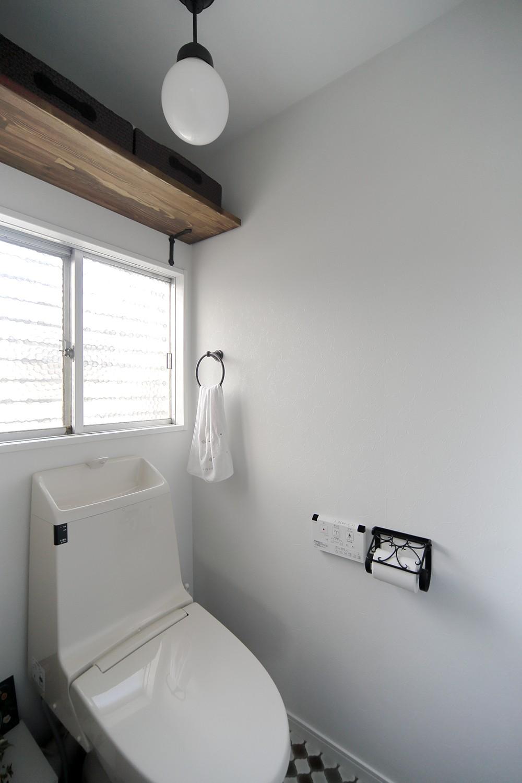 鉄骨住宅をおしゃれにリフォーム (コンパクトで機能的なトイレ)