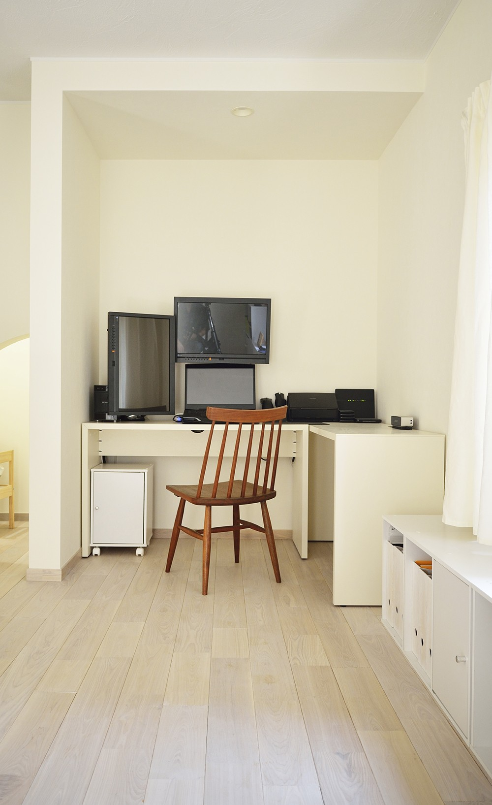 デッドスペースは子どもの秘密基地!家族の時間を楽しむ家 (リビングに新設した書斎)