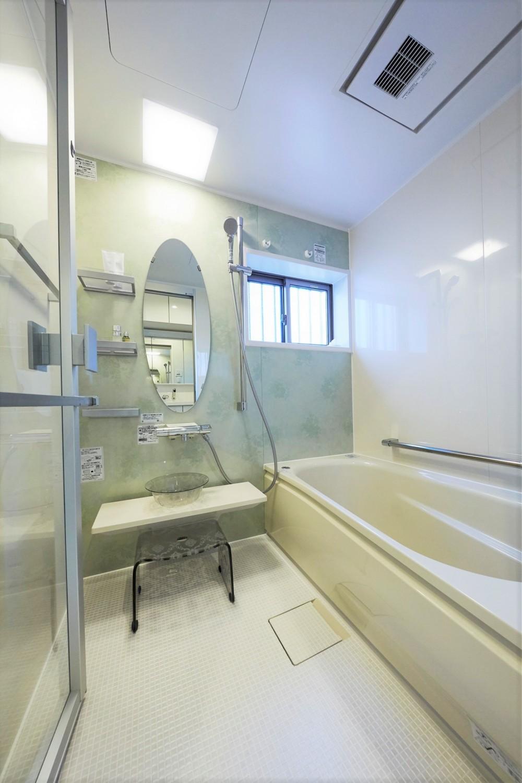 サロンのようなエレガントな住まいを実現 (浴室)