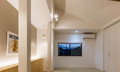 京都と海外が融合する家 (寝室)