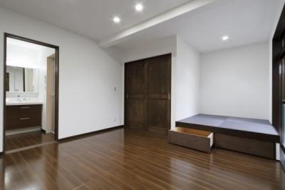 畳スペースのある一室 (2世帯全面リフォーム)