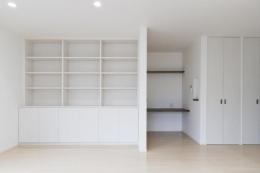 2世帯全面リフォーム (壁面いっぱいの収納スペース)
