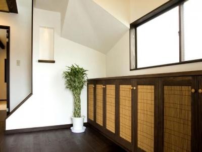ニッチのある玄関 (Japanese Modren Style)