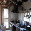 木質スケルトン+DIYでつくるこだわり空間の写真 キッチン