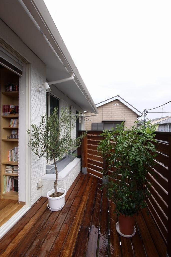 建築家:宇野健一「街角バルコニー(都市型2世帯住宅)」