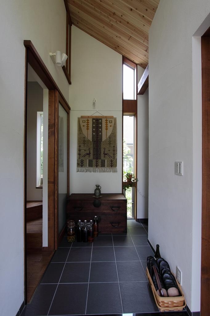 ピアノと暮らす家の部屋 玄関