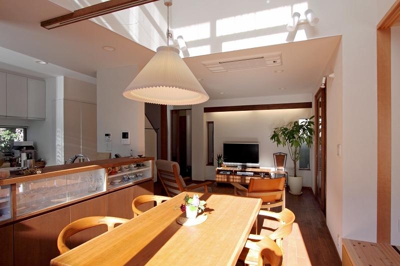ピアノと暮らす家の部屋 リビングダイニング4