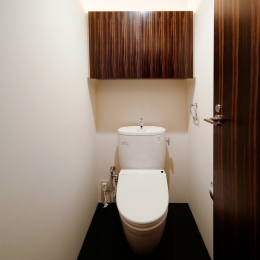 トイレ (Ebenum)