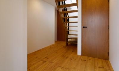 玄関|nest 直線で構成されたパノラミックな一戸建リノベ