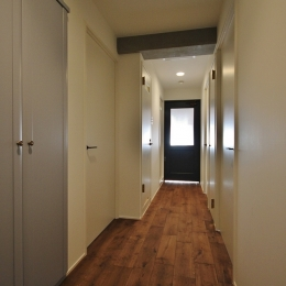 PLAIN (廊下)