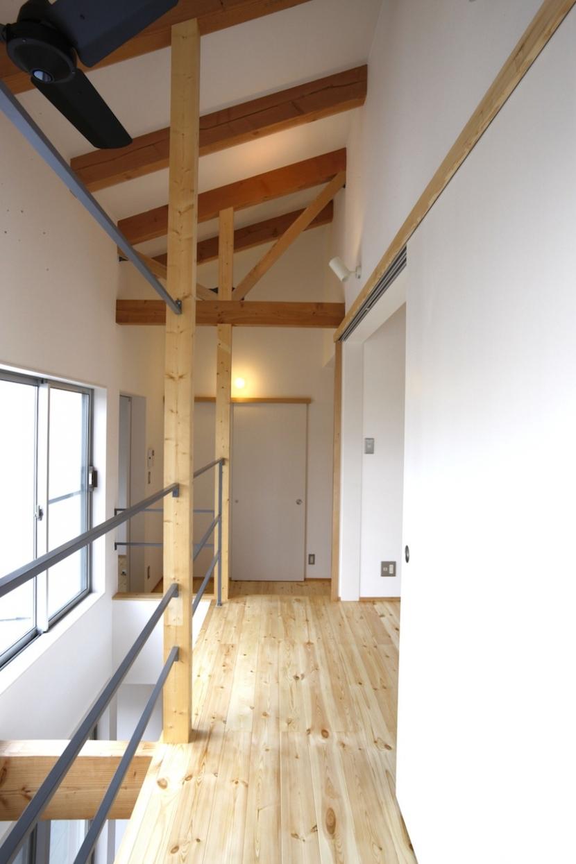 ラップハウスの部屋 2階廊下