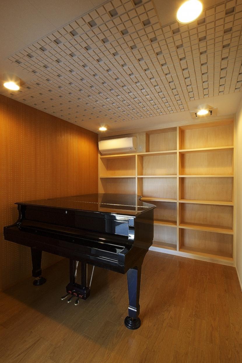双子とピアニストの家の部屋 レッスン室(防音室)