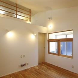 双子とピアニストの家 (オリジナルの木製建具)
