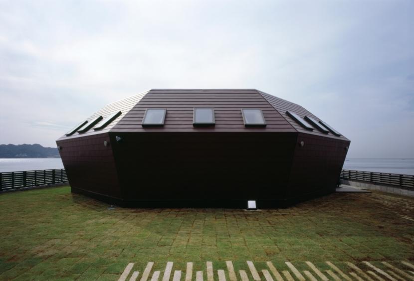 建築家:廣部剛司「海辺のシェルハウス」