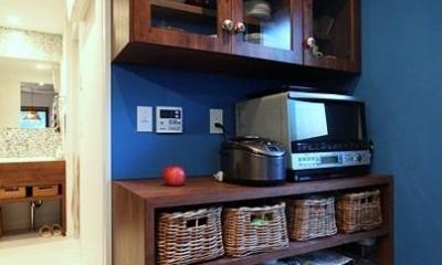 木枠の先にあるもの (キッチン収納棚)