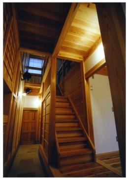 高槻の木組みの家 (通り庭)
