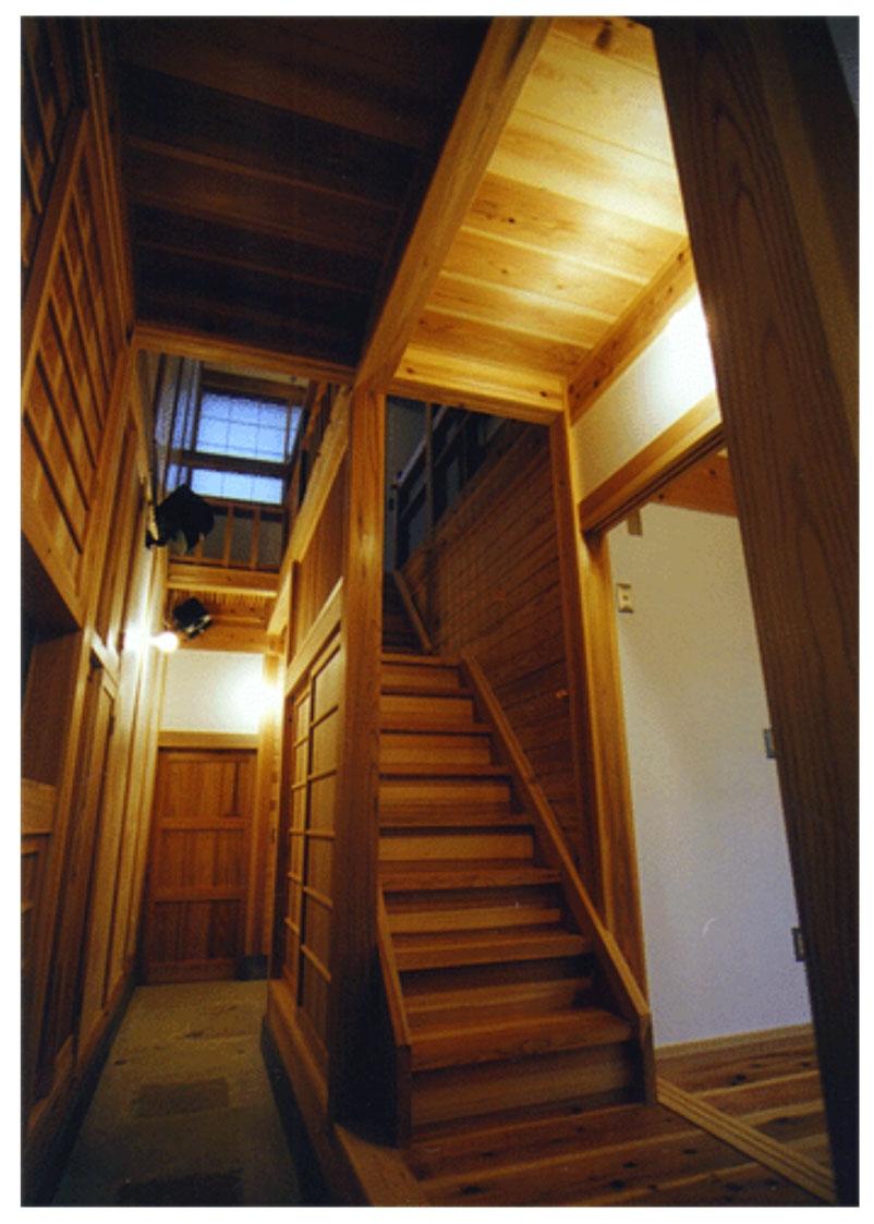 高槻の木組みの家の部屋 通り庭
