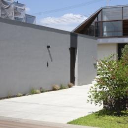 庭 (大屋根のいえ)