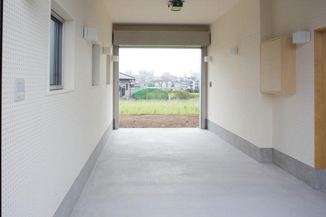 晴耕雨読の家 (ガレージ)