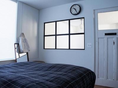 F様ご夫婦自ら手配されたアンティークの建具と飾り窓 (宮崎台のビンテージマンション1)