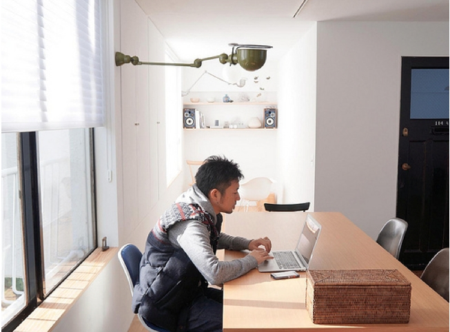 宮崎台のビンテージマンション1の部屋 ダイニングと書斎を望む