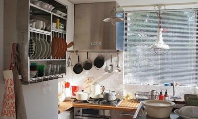 宮崎台のビンテージマンション1 (個性の光る明るいキッチン)