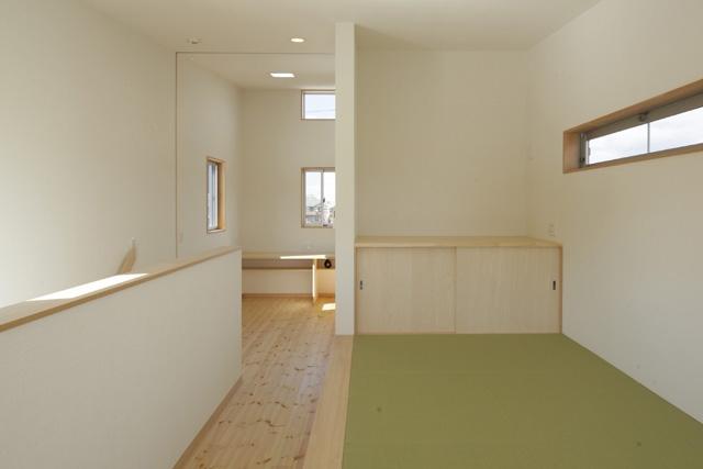 2つ屋根の家の部屋 ゲスト用和室