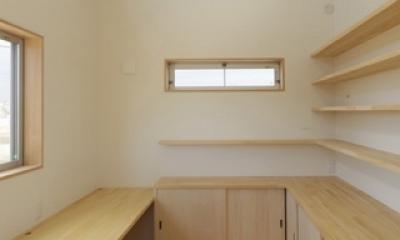 2つ屋根の家 (作業室1)