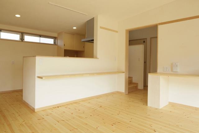 2つ屋根の家の部屋 LDK5