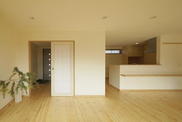 2つ屋根の家の部屋 LDK2