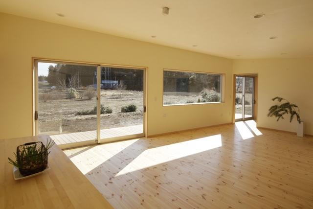 2つ屋根の家の部屋 LDK1