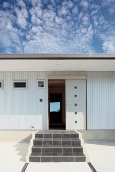 外観3 (2つ屋根の家)