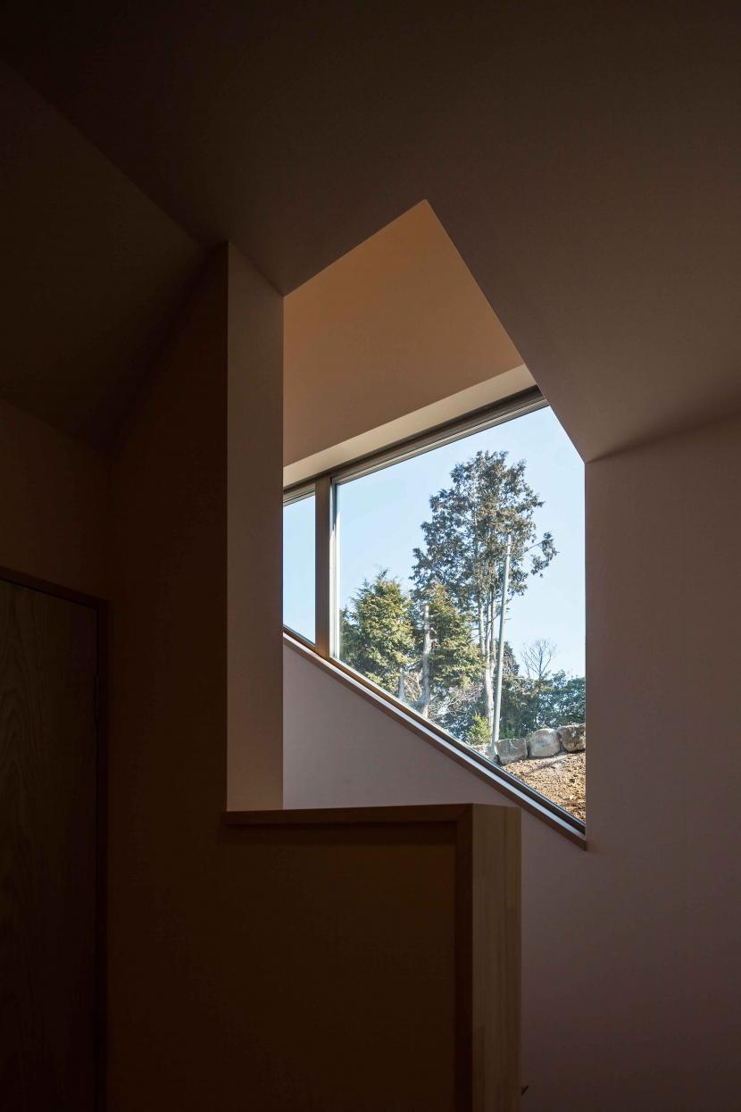 伊豆の国の家の部屋 借景窓