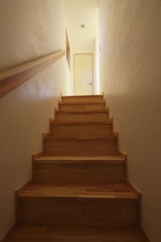 凸(でこ)の家の部屋 階段