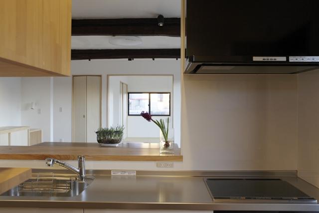 凸(でこ)の家の部屋 キッチン2