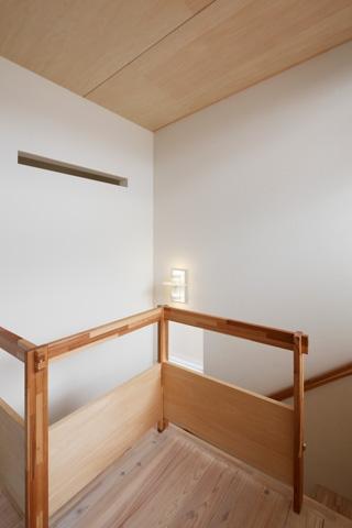 2人と2匹の家の部屋 階段手摺1