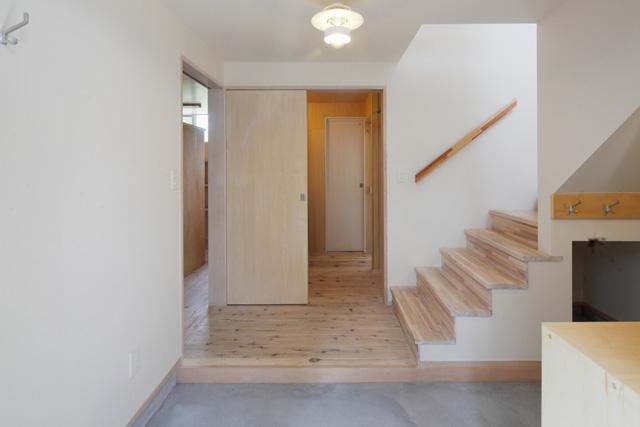 2人と2匹の家の部屋 土間玄関4