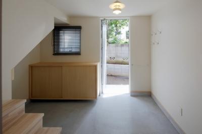 土間玄関1 (2人と2匹の家)