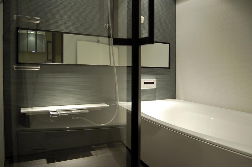 内部に情熱を注いだ空間(リノベーション)の写真 浴室