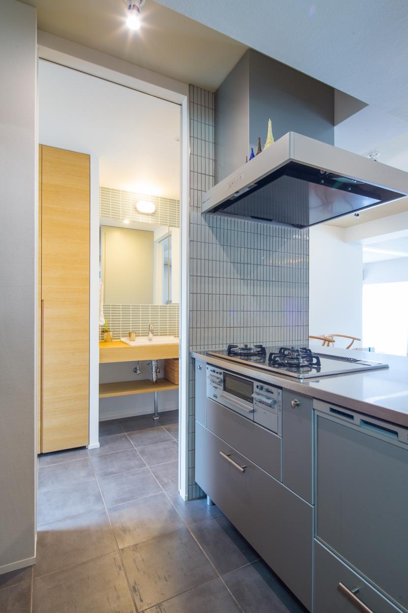 広々としたナチュラル&ヴィンテージな家(リノベーション)の部屋 キッチン2