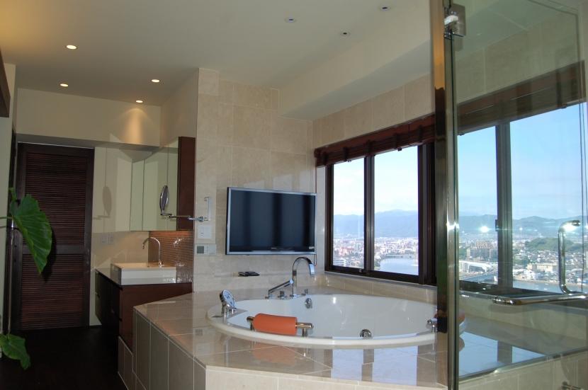 リゾート気分で過ごせる空間(リノベーション)の部屋 バスルーム2