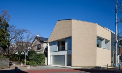 「駒場の家」左官土壁の木造3階建て
