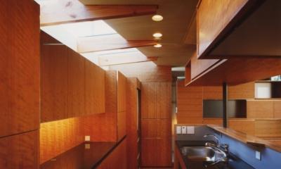 光を抱く家 (キッチン)