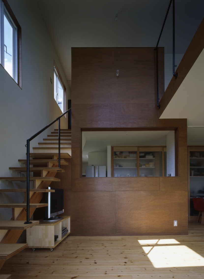 建築家:鍵谷啓太 / 井上佐和子「box 素箱のいえ」