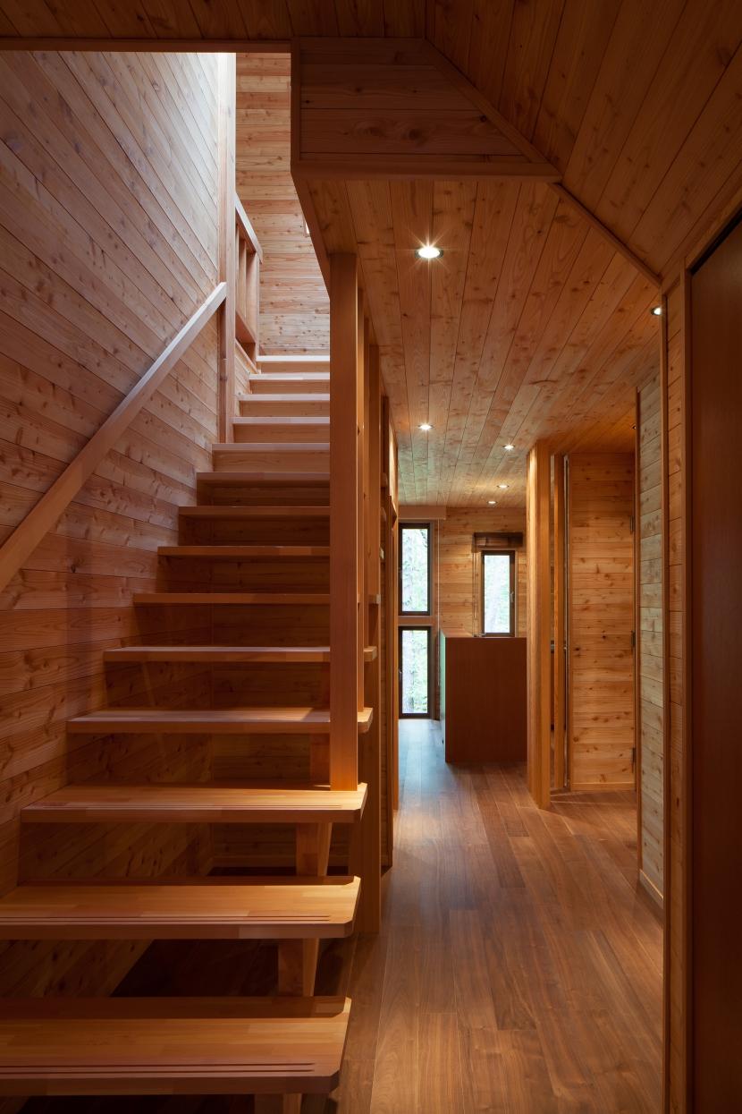 I山荘の写真 階段2