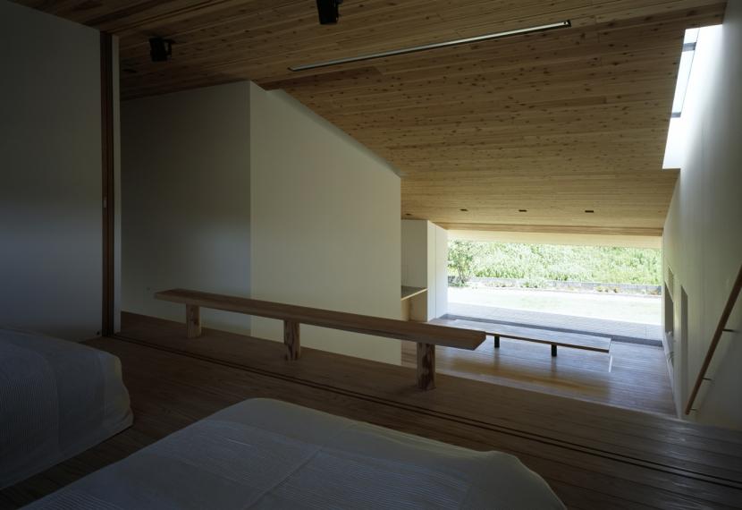 鋸南の家 (吹抜でひと繋がりの空間)