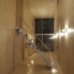 筒の家 (リビング・ダイニング夜景)