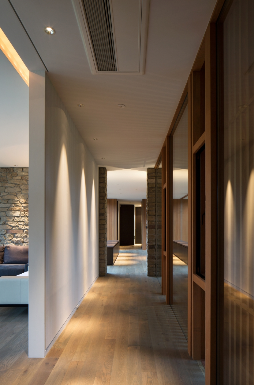 Y山荘の写真 廊下2