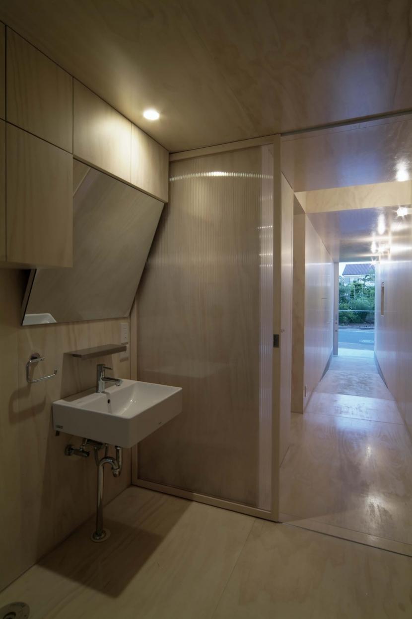 筒の家の部屋 洗面所