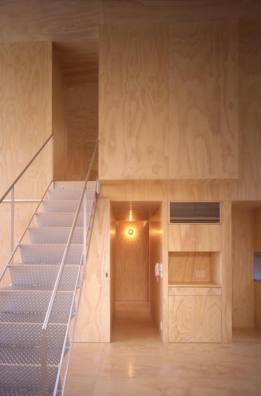 筒の家の部屋 階段